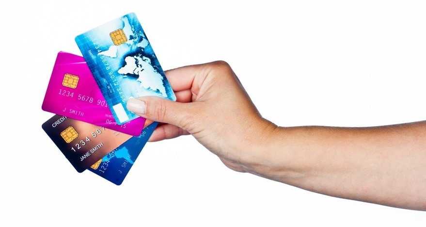 The Boss Lady's Guide to Responsible Credit Card Usage | THINK LIKE A BOSS LADY | thinklikeabosslady.com #debtfree #creditcarddebt #getoutofdebt #budgets #finance #suzeorman #smartmoney #savemoney