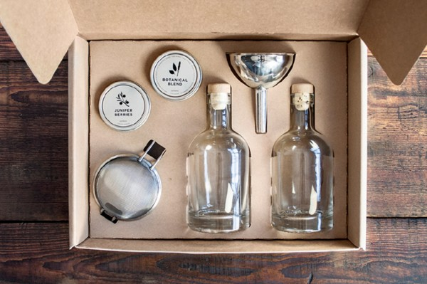 Homemade-Gin-Kit_Lifestyle-1
